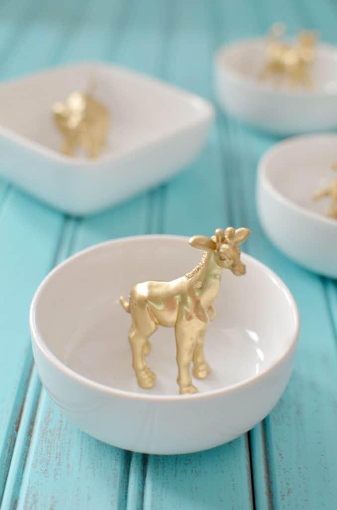 gold-giraffe-ring-dish