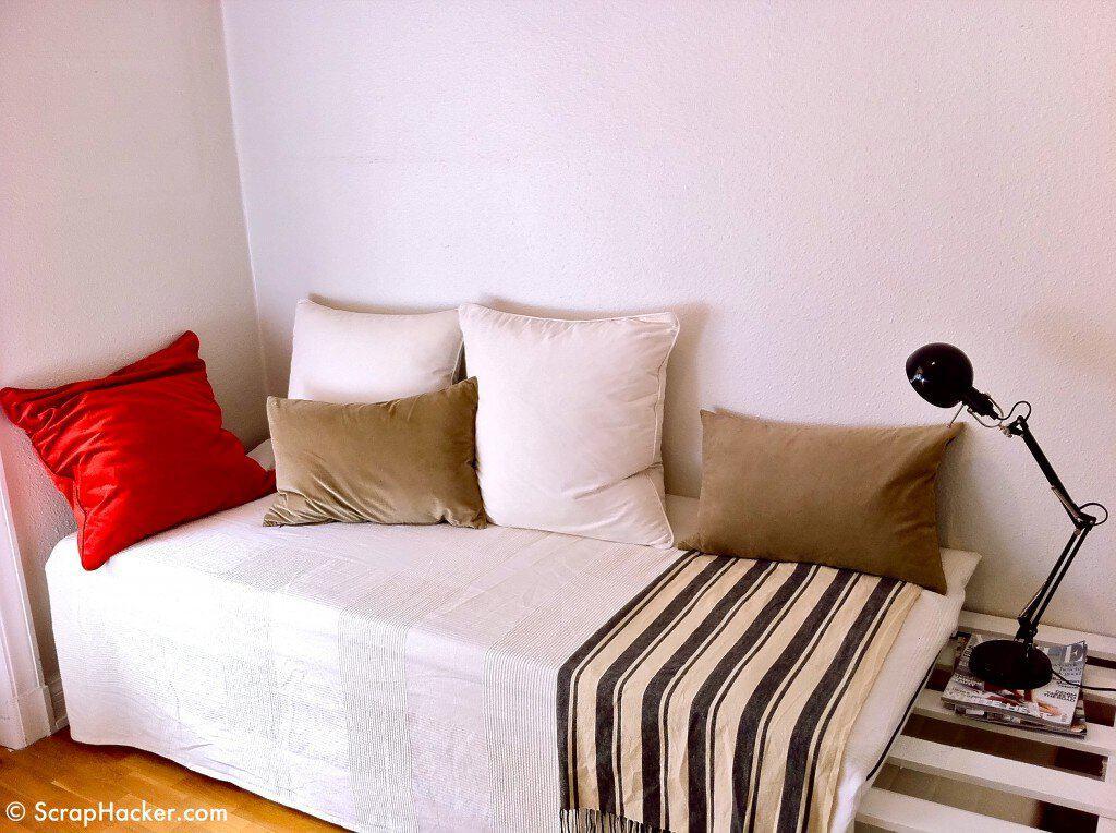 DIY Pallet Sofa Bed