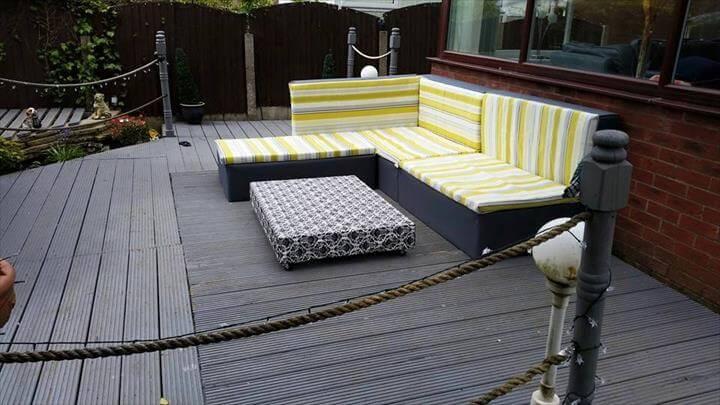 DIY Sectional Sofa Plan: Pallet Upholstered