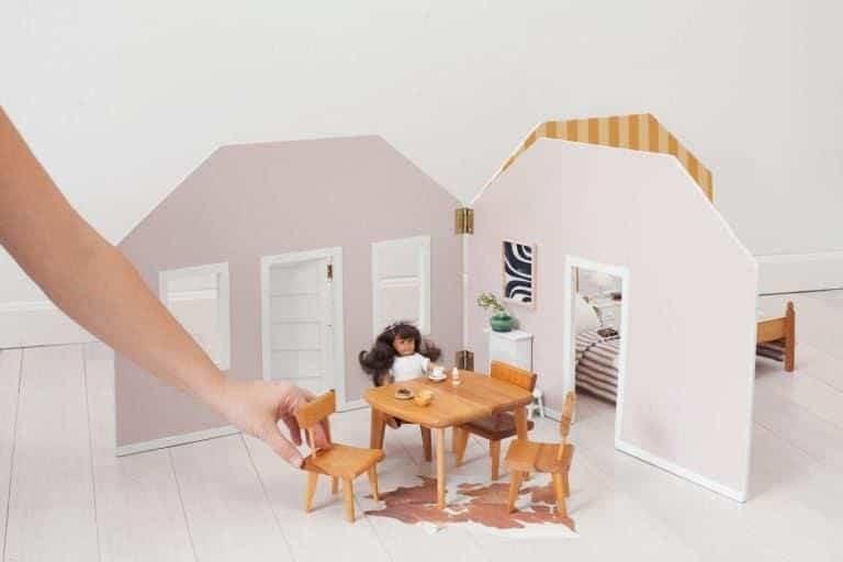 DIY Fold-away Dollhouse