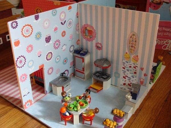 DIY Small Playset Dollhouse