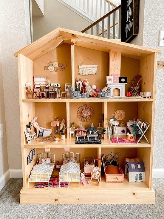 DIY Wooden Beauty Dollhouse Plan