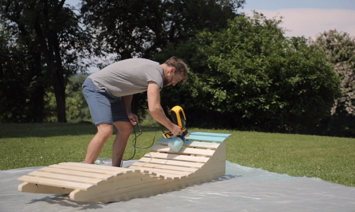 Build a Lounger in Your Backyard