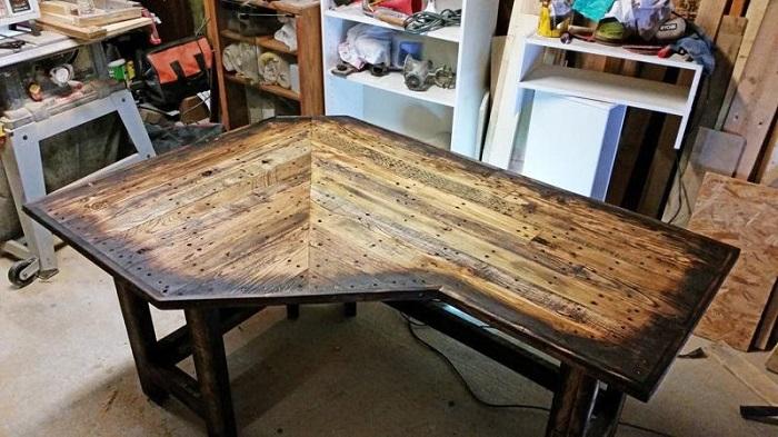 Burnt Wood DIY Corner Desk Plans