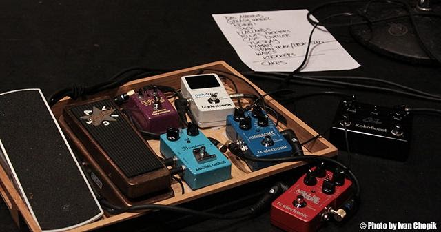 DIY Tea Tray Pedalboard