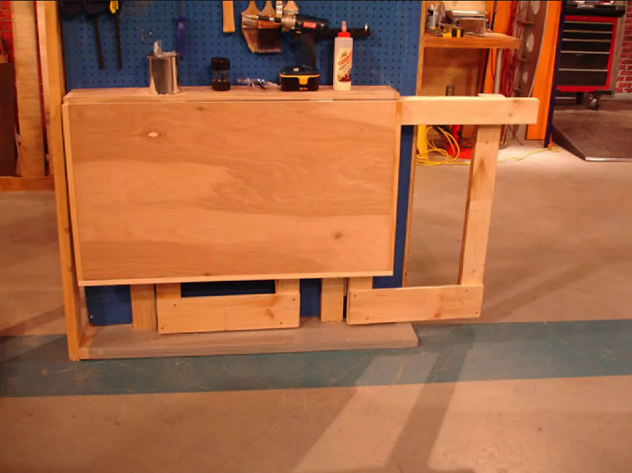 The Fold-up Workbench