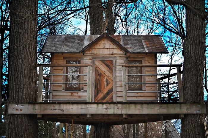 DIY Treehouse From Reclaimed Wood