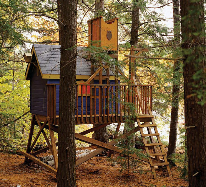 http://www.theclassicarchives.com/how-to-guides/free-tree-house-wood-plans