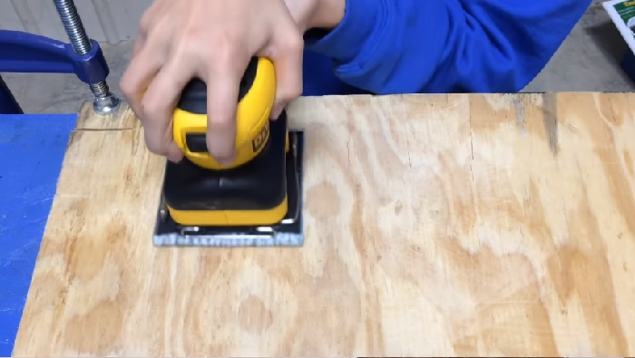 Using an Electric Sander