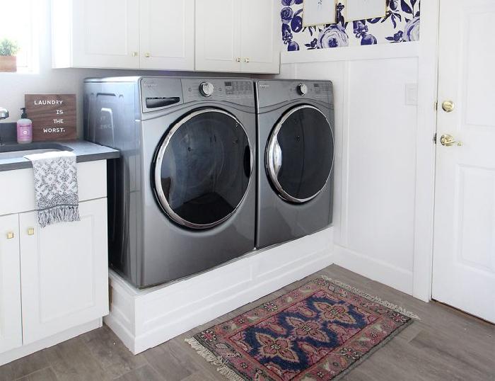 Elegant DIY Laundry Pedestal Plans