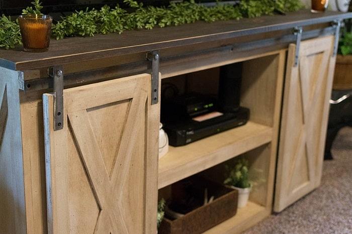 The Barn-like Kitchen Cabinet